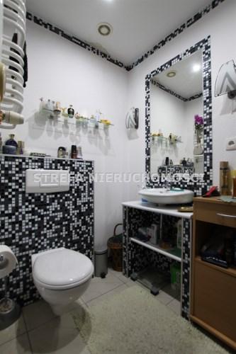 -łazienka z WC na piętrze