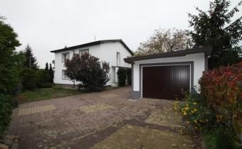 -dom z garażem